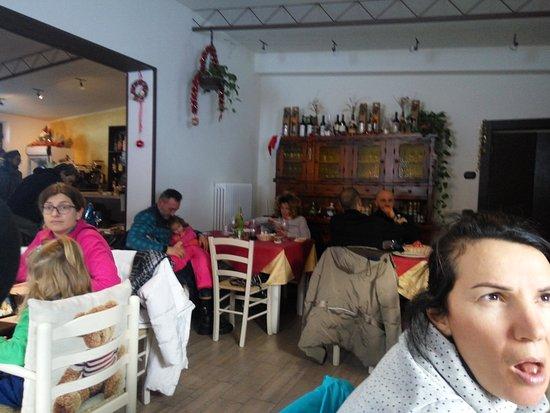 Sarnano, Italia: La patata bollente...