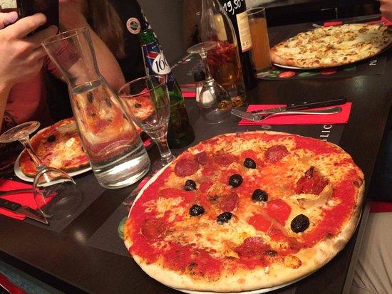 Restaurant pomodoro e basilico 2 dans quimper avec cuisine for Cuisine quimper