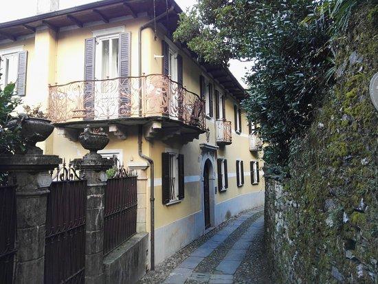 San Giulio Island: Case di San Giulio.