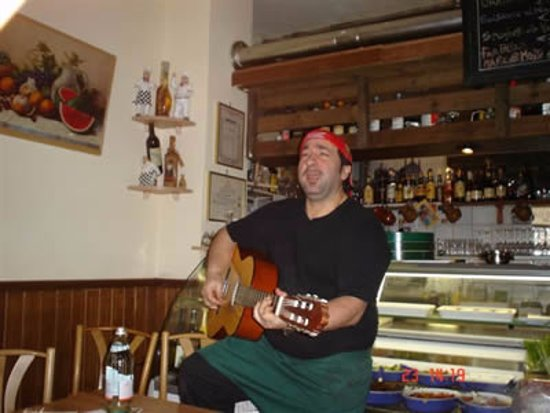 Lo Stivale d'Oro: Chef Mario may get his guitar out when the cooking is done...