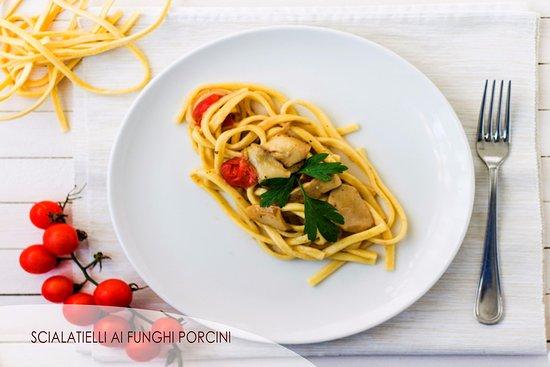 Villaricca, Itálie: Scialatiello ai funghi porcini