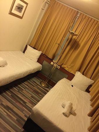 West Side Inn Hostel Bargain Toko: photo1.jpg