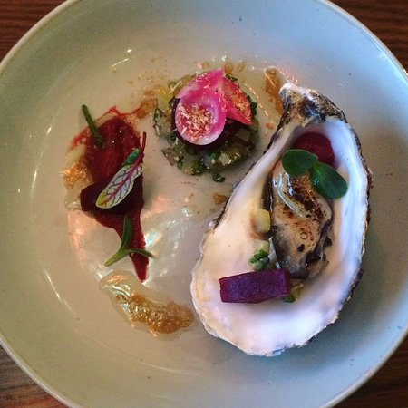Purmerend, The Netherlands: Oester - Rode Biet