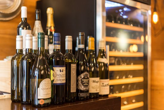 Purmerend, The Netherlands: Selectie wijn