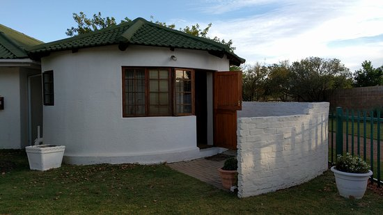 Riversdale, Sudáfrica: We stayed in this cute 'rondawel'