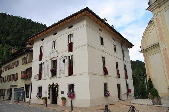 L'edificio quattrocentesco che ospita il Museo Albino Luciani MUSAL