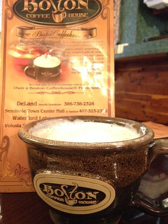 Boston Coffeehouse: Café com leite