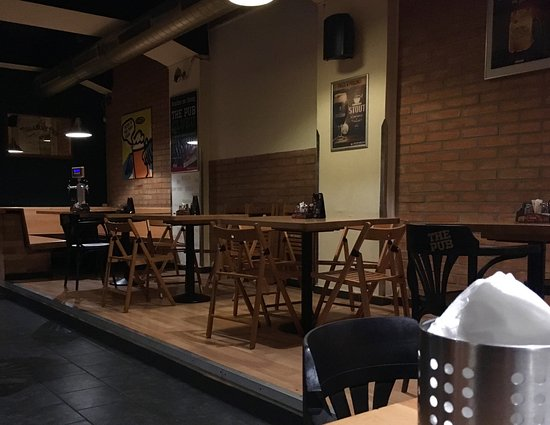 The PUB Praha 2 : Small tables without tap