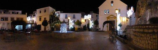 Zuheros, Spain: Traumhafte Lage