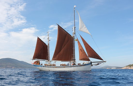 The Andrea Jensen Boat Trip: Andrea crossing the bay of Alghero 2016