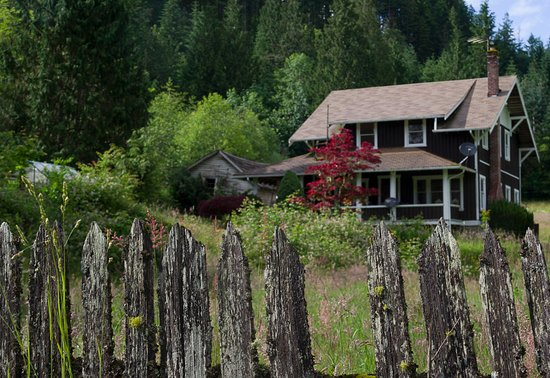 Mineral, WA: Original fencing from the early 1900s
