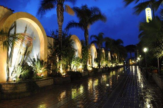 Hotel Ristorante La Lanterna: Viale dello zodiaco
