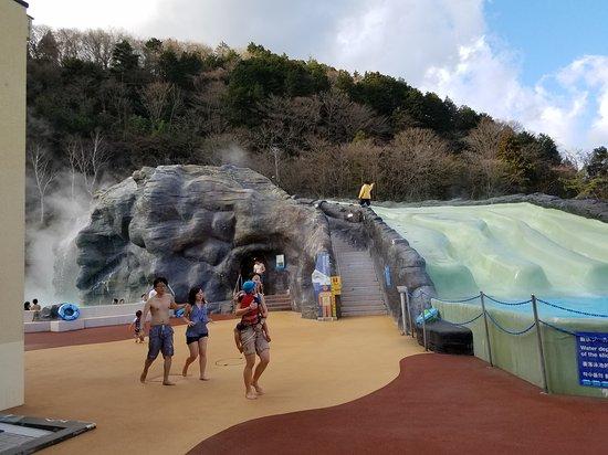 Yunessun Spa Resort Hours