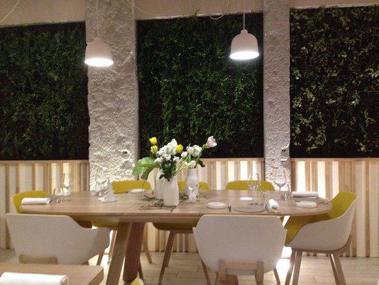 Le mur végétal, et la déco moderne et épurée   Picture of PRaiRiaL