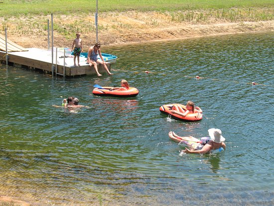 Metter, GA: Cool off in our spring fed pond