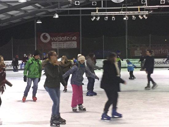 Beverungen, Γερμανία: Beverunger Eisbahn