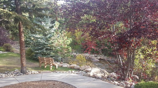 River Stone Resort and Bear Paw Suites Photo