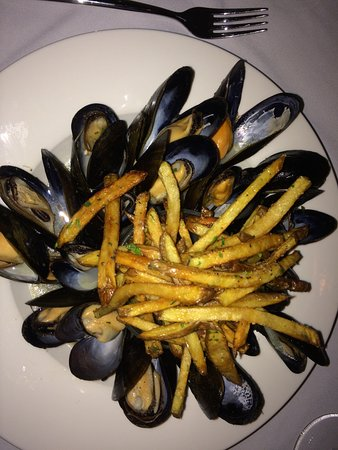 Paris, Canadá: So good and plentiful Moulles Frites