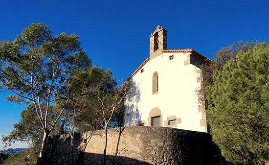 Ermita de Sant Sebastia: Ermita de Sant Sebastià (Vilassar de Dalt) Fachada principal.
