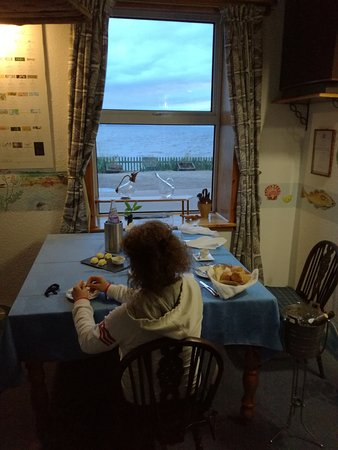 Portmahomack, UK: Tavolo con vista