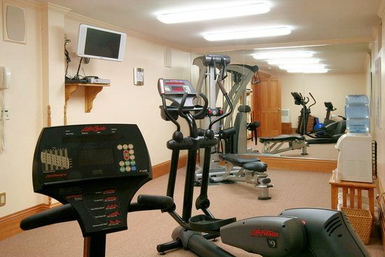 Breezy Hill Inn: Workout facility