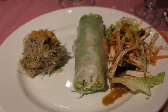 Restaurant Kim Chi: Crabe Farci / Rouleau de Printemps / Salade cacahouètes