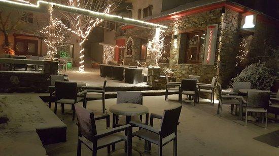 Zagora, Grecia: Ραδιόφωνο All Day Cafe Bar