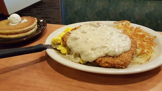 Riverview, FL: Chicken fried steak eggs and hashbrowns