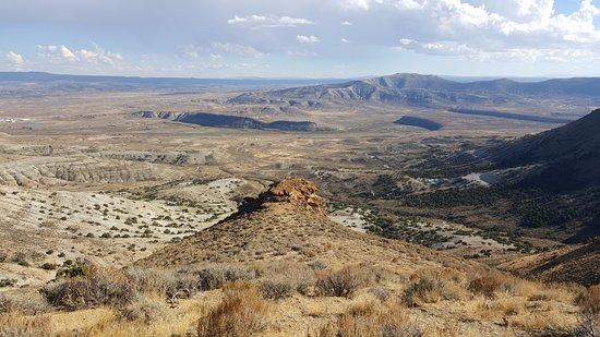Rock Springs, WY: The tiny dots on the peek are actually 2 people!