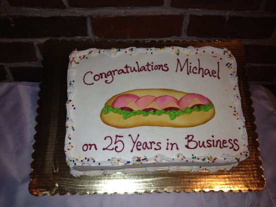 Absecon, Nueva Jersey: 12/26/2011- Mike and Carmela's 25th Year Anniversary Owners of Vics Subs
