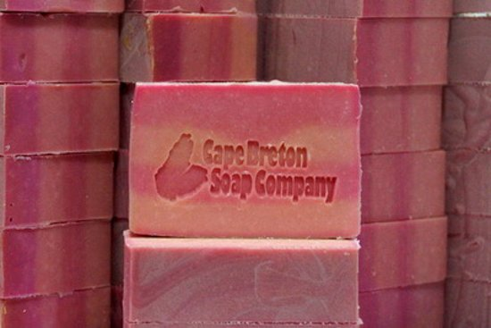 Sydney Mines, Canadá: Handcrafted Luxury Soap - Pink Sugar