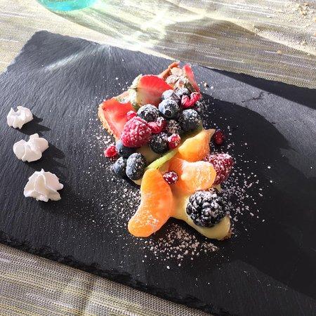 Ternate, Italien: crostata crema e frutta