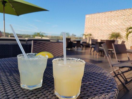 Guaycura Boutique Hotel Beach Club & Spa: Rooftop Bar