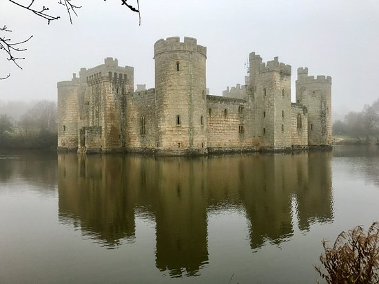 The Best Castles in Great Britain Bodiam-castle