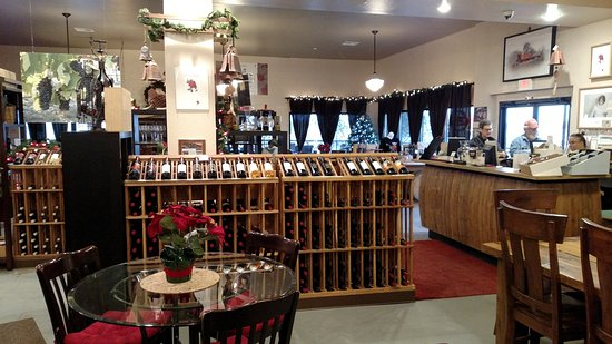 Meridian, TX: Red Caboose Winery displays