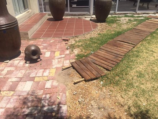 Western Cape, South Africa: More broken and unfinished walkways