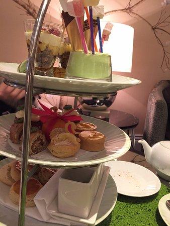 The Knightsbridge Lounge: Afternoon tea