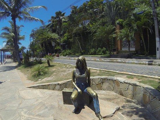 Buzios, RJ: Estátua em homenagem a atriz Brigitte Bardot que tornou Búzios famosa mundialmente.