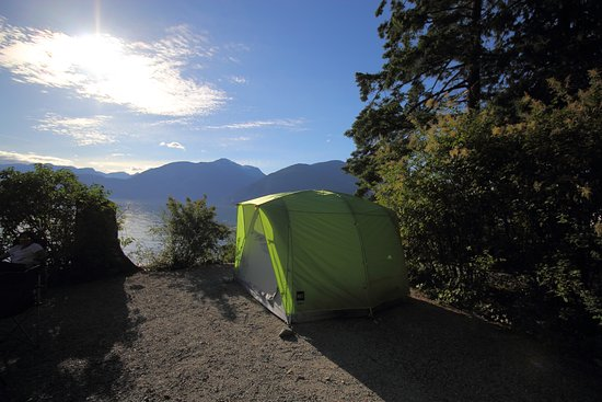 Squamish, Canada: campsite on the waterfront