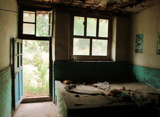 Jiexiu, Kina: Verlaten huis. De bewoner kreeg een nieuw huisje buiten de stadsmuur..