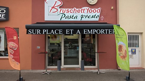 Rocbaron, Francia: devanture