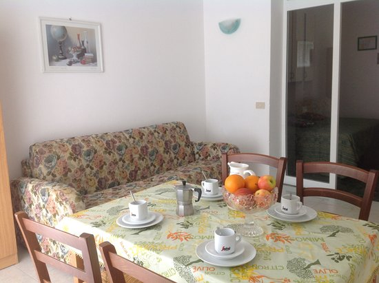 Camera da pranzo picture of residence villa sara andora tripadvisor - Camera da pranzo ...