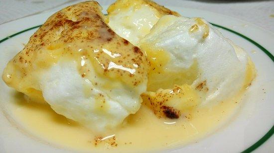 Montemor-o-Novo, Πορτογαλία: Farófias fritas em leite, como descreveu o nosso anfitrião. Delicioso fecho para a nossa refeiçã