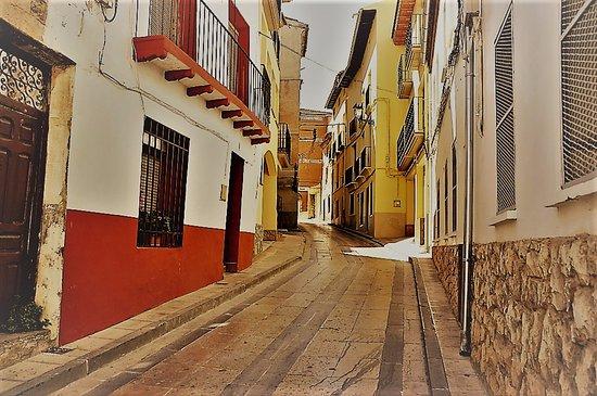 Hijar, Ισπανία: Calle en este pueblo de España, lugar donde nació mi madre.