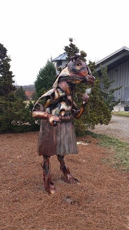 Boonville, Carolina del Norte: The familiar statue greets you