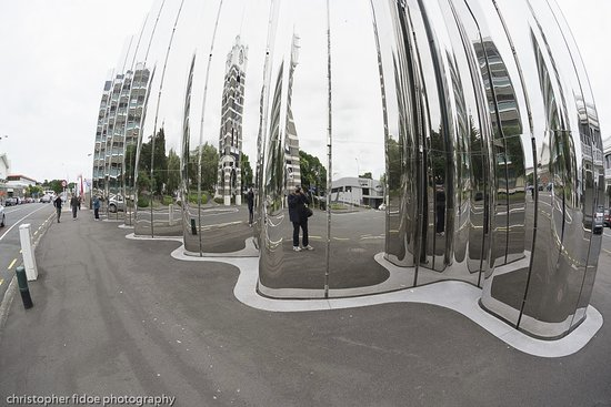 New Plymouth, Nya Zeeland: Taken with a Fish Eye lens to accentuate the exterior design.