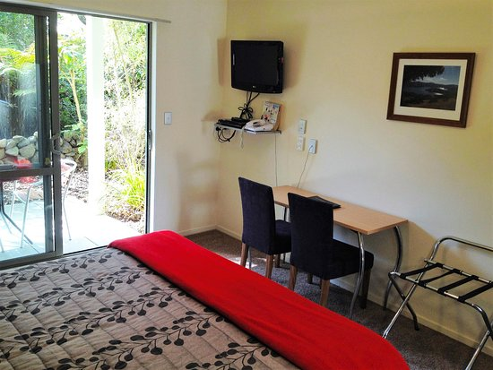 La Rochelle Motel: King Studio