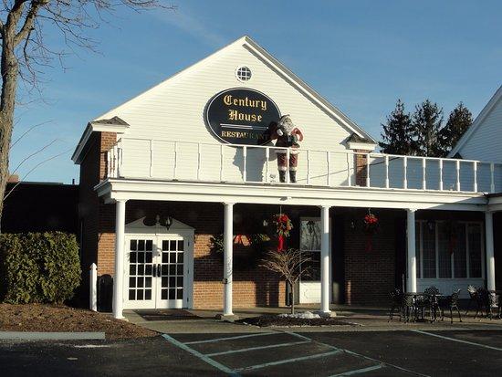 Latham, NY: restaurant (by main road)