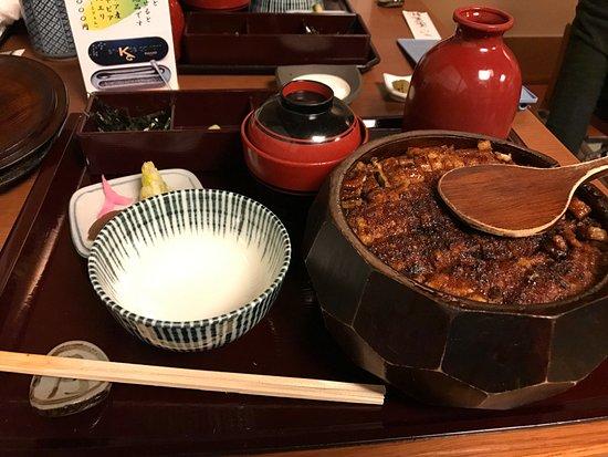 Atsuta Horaiken Honten: Eel rice