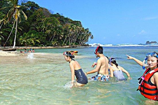 Recorrido por Portobelo y una isla...